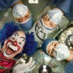 Десять докторов хотели спрятать тело… (пародия)