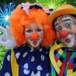 Новогоднее поздравление от клоунов - веселая сценка