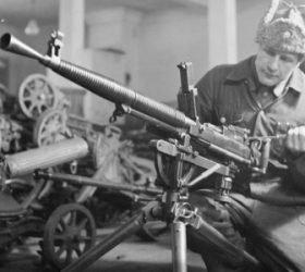 Стихи про оружие к 23 февраля и другим военным праздникам